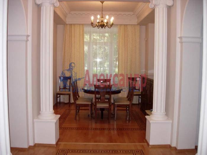5-комнатная квартира (220м2) в аренду по адресу Крестовский пр., 4— фото 6 из 7