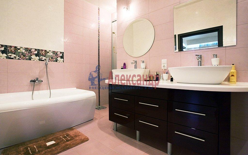 2-комнатная квартира (90м2) в аренду по адресу Парадная ул., 3— фото 4 из 4