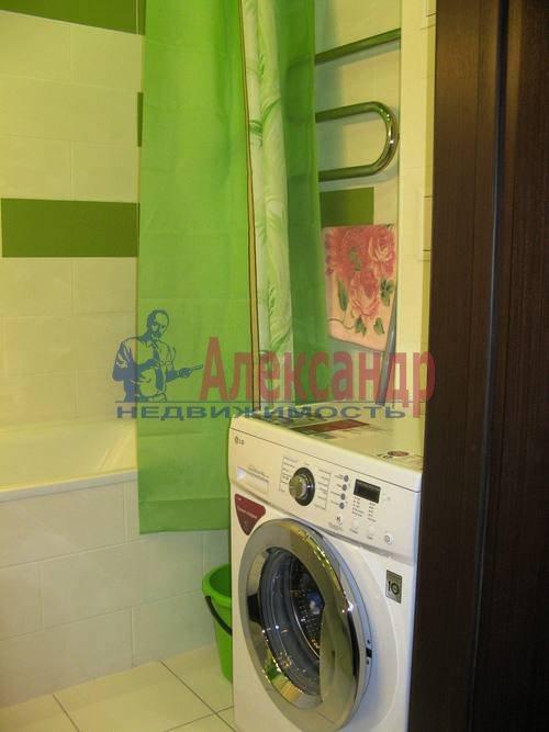 2-комнатная квартира (60м2) в аренду по адресу Космонавтов просп., 65— фото 20 из 21