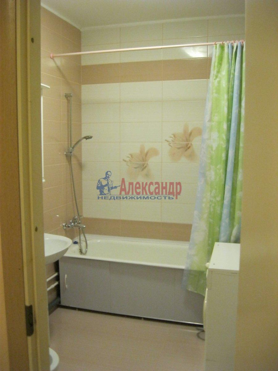 1-комнатная квартира (35м2) в аренду по адресу Дунайский пр., 7— фото 3 из 7