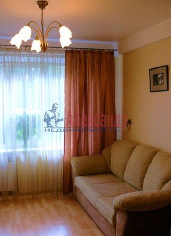 1-комнатная квартира (45м2) в аренду по адресу Светлановский просп., 99— фото 2 из 8