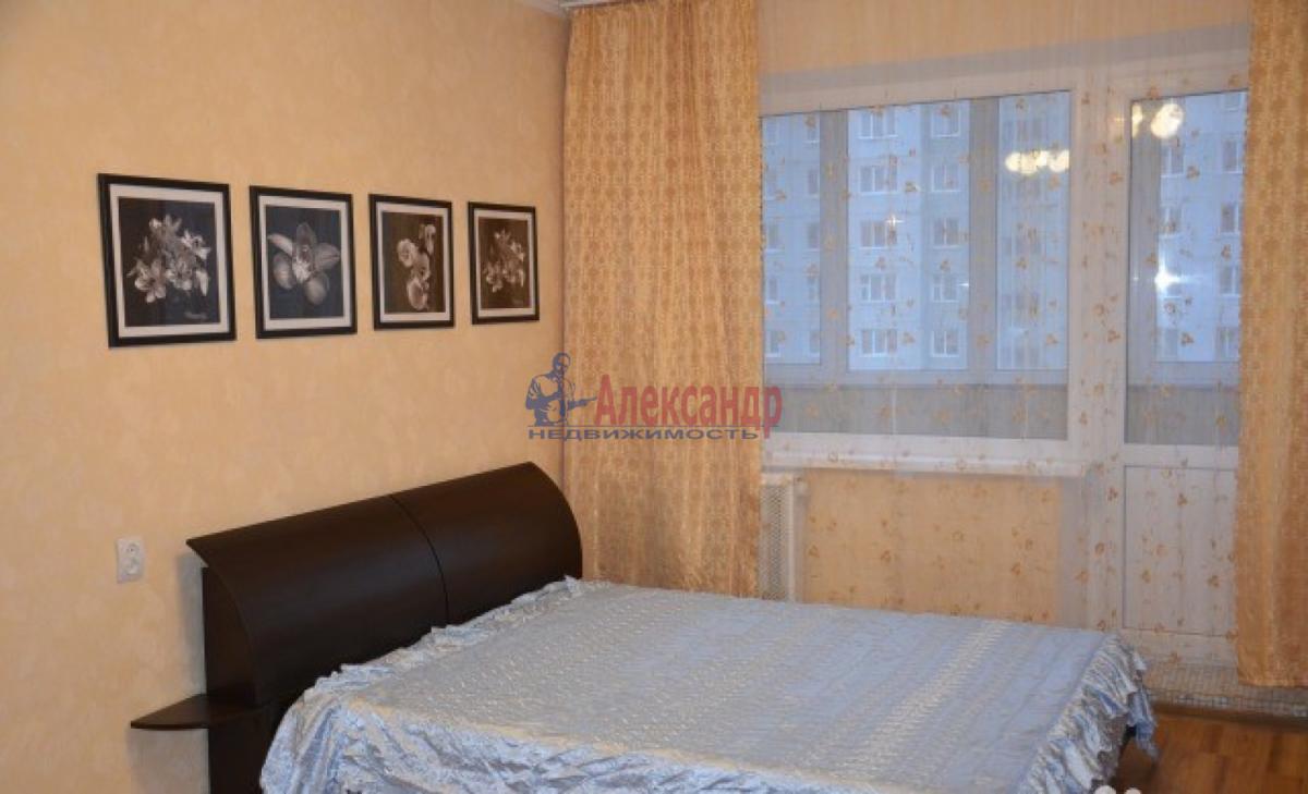 1-комнатная квартира (38м2) в аренду по адресу Трефолева ул., 26— фото 1 из 7