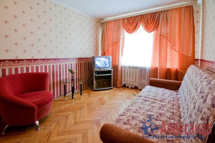 2-комнатная квартира (78м2) в аренду по адресу Кузнецовская ул., 8— фото 1 из 8