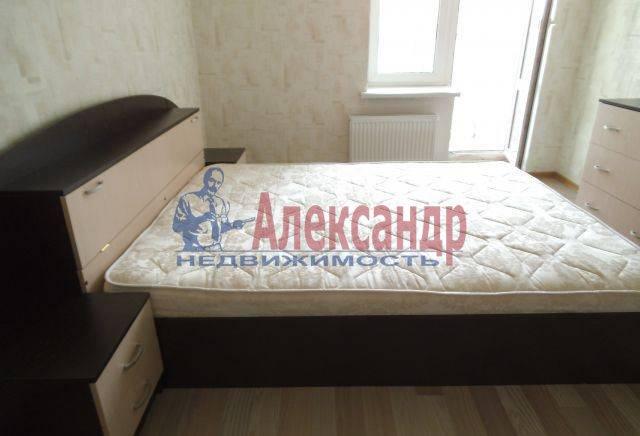 2-комнатная квартира (78м2) в аренду по адресу Обуховской Обороны пр., 138— фото 2 из 4