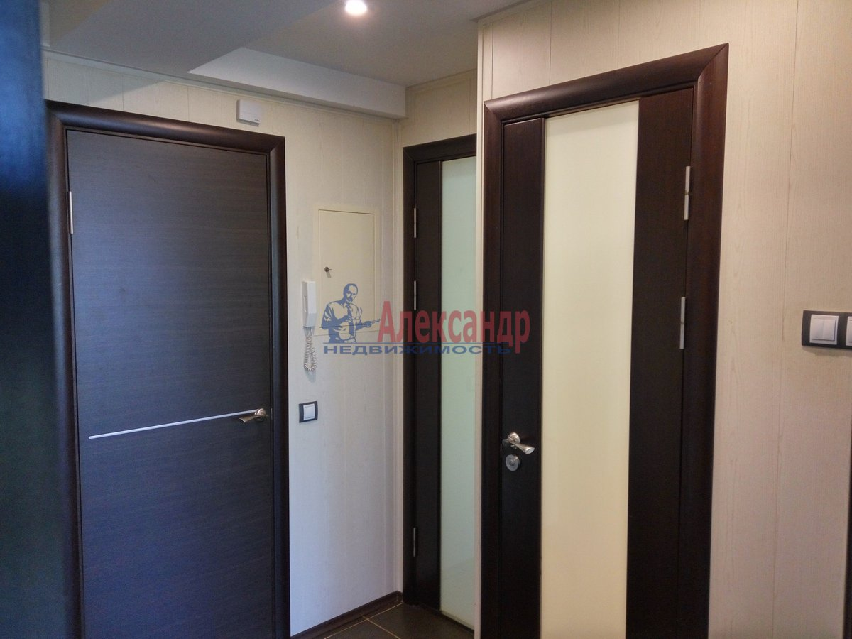 1-комнатная квартира (33м2) в аренду по адресу Художников пр., 19— фото 4 из 11