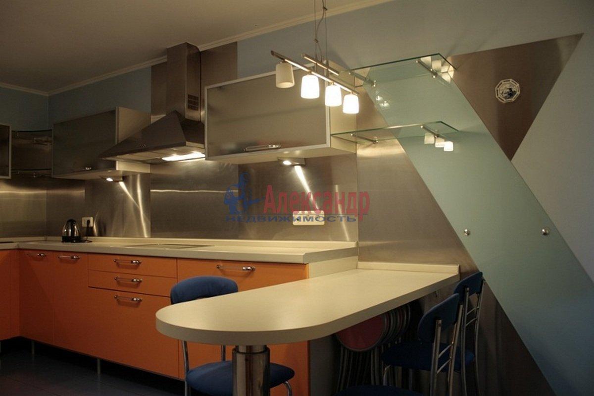 3-комнатная квартира (110м2) в аренду по адресу Невский пр., 117— фото 1 из 12