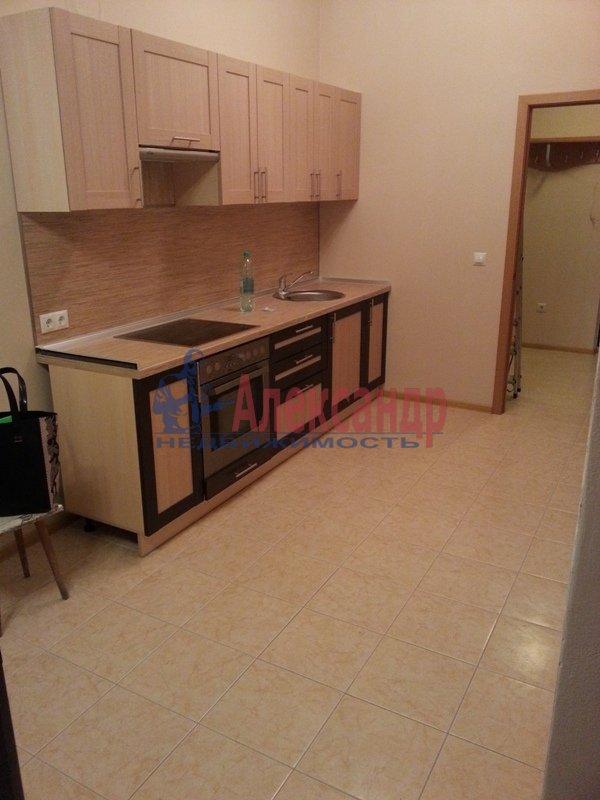 1-комнатная квартира (48м2) в аренду по адресу Киевская ул., 3— фото 2 из 11
