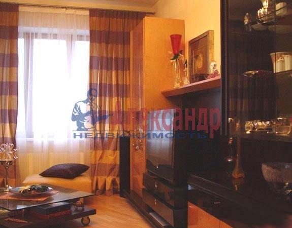 2-комнатная квартира (63м2) в аренду по адресу Варшавская ул., 19— фото 2 из 3