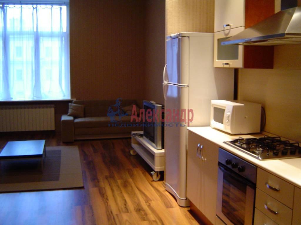 2-комнатная квартира (65м2) в аренду по адресу Невский пр., 88— фото 8 из 9
