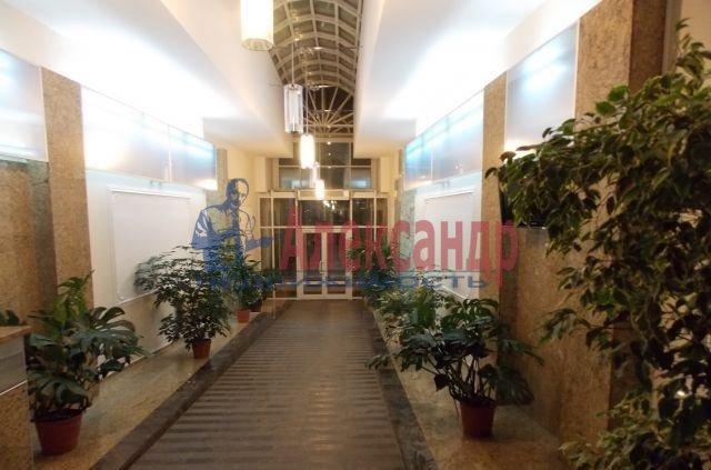 2-комнатная квартира (62м2) в аренду по адресу Воскресенская наб., 4— фото 4 из 5