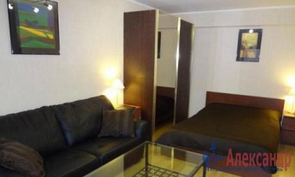 1-комнатная квартира (61м2) в аренду по адресу Малый пр., 90— фото 1 из 3
