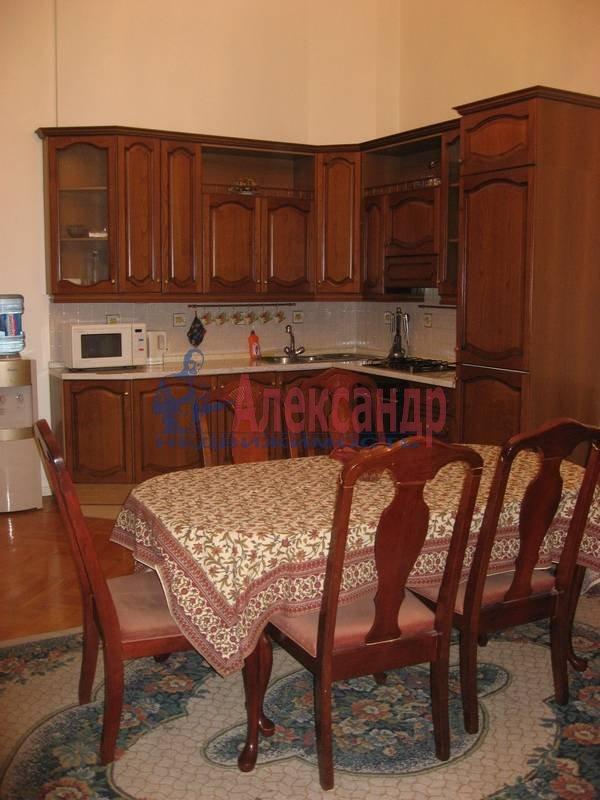 4-комнатная квартира (160м2) в аренду по адресу Рубинштейна ул., 3— фото 9 из 23