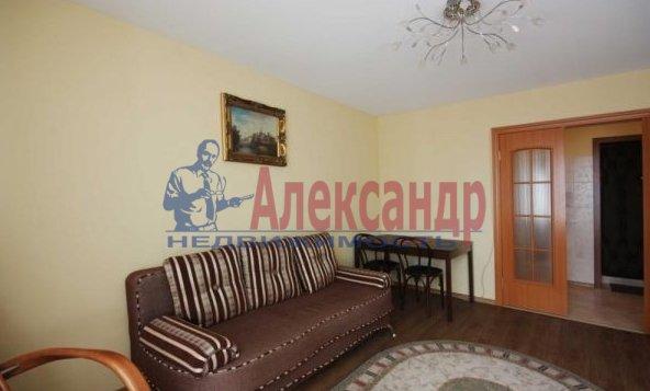 1-комнатная квартира (40м2) в аренду по адресу Наличная ул., 44— фото 2 из 5