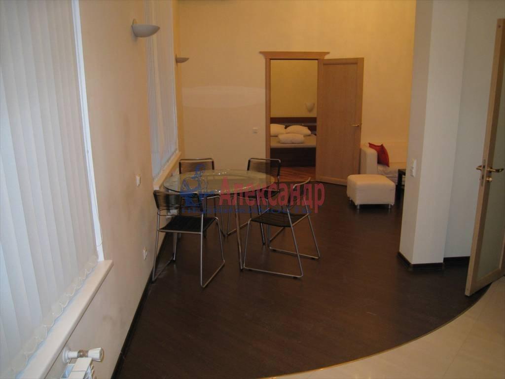 3-комнатная квартира (110м2) в аренду по адресу Невский пр., 16— фото 1 из 5