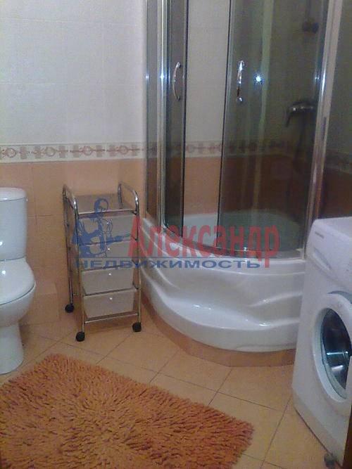 1-комнатная квартира (45м2) в аренду по адресу Композиторов ул., 18— фото 4 из 8