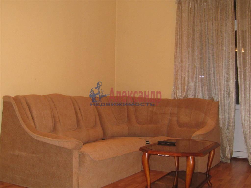 2-комнатная квартира (53м2) в аренду по адресу Типанова ул., 8— фото 5 из 8