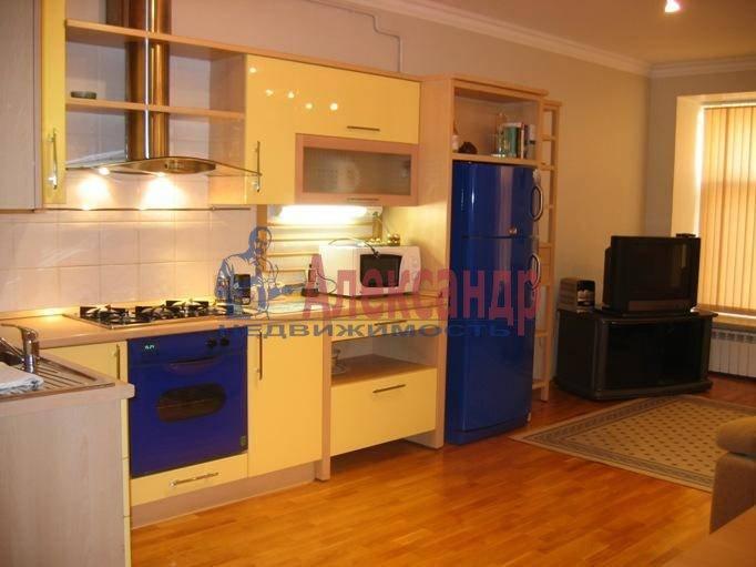 2-комнатная квартира (80м2) в аренду по адресу Рубинштейна ул., 29— фото 3 из 5