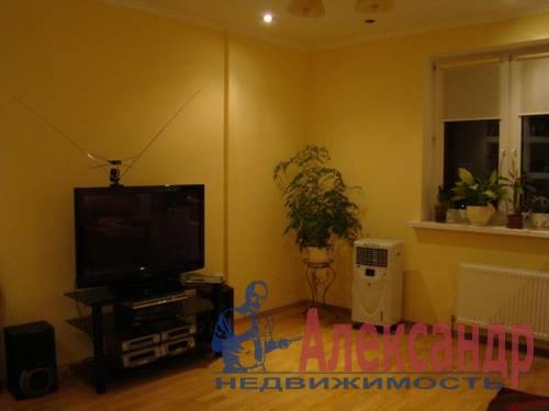 2-комнатная квартира (70м2) в аренду по адресу Генерала Симоняка ул., 4— фото 4 из 7