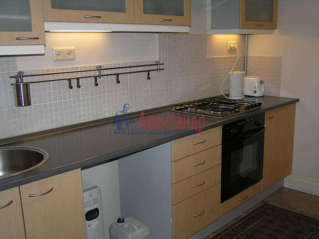 2-комнатная квартира (60м2) в аренду по адресу Реки Мойки наб., 6— фото 4 из 4