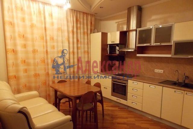 2-комнатная квартира (62м2) в аренду по адресу Воскресенская наб., 4— фото 1 из 5