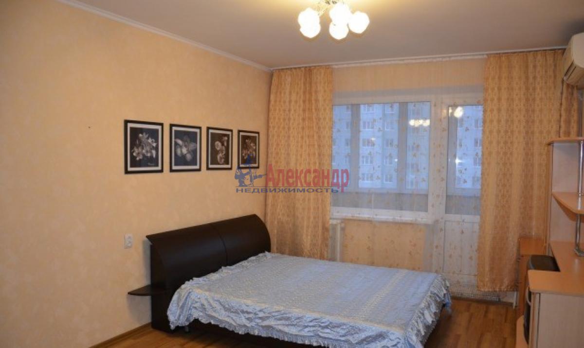 1-комнатная квартира (38м2) в аренду по адресу Трефолева ул., 26— фото 2 из 7
