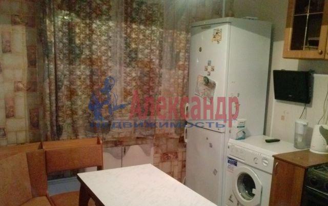 1-комнатная квартира (36м2) в аренду по адресу Раевского пр., 15— фото 1 из 3