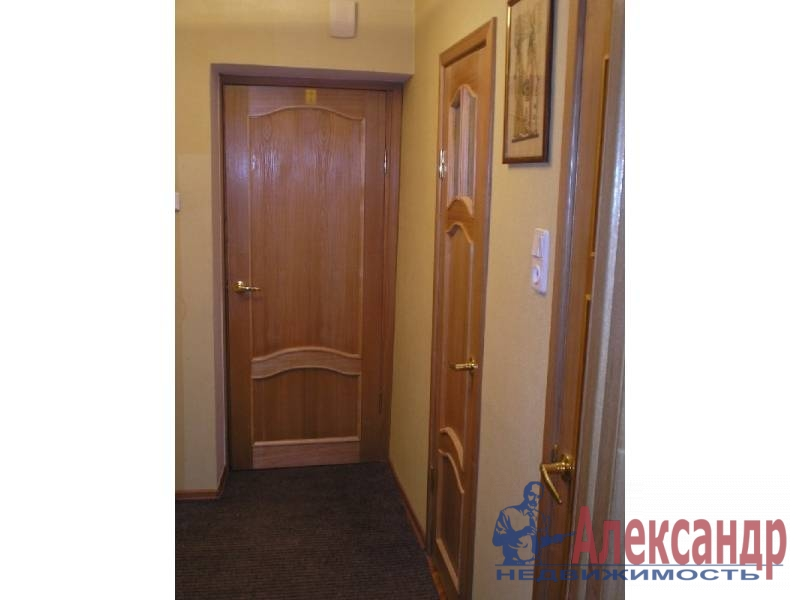 1-комнатная квартира (40м2) в аренду по адресу Маршала Казакова ул., 9— фото 3 из 5