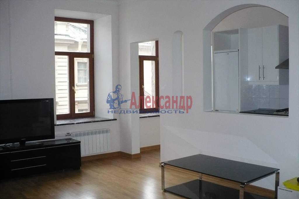 2-комнатная квартира (50м2) в аренду по адресу Адмиралтейская наб., 10— фото 1 из 6