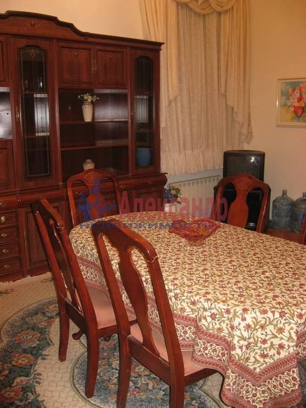 4-комнатная квартира (160м2) в аренду по адресу Рубинштейна ул., 3— фото 11 из 23
