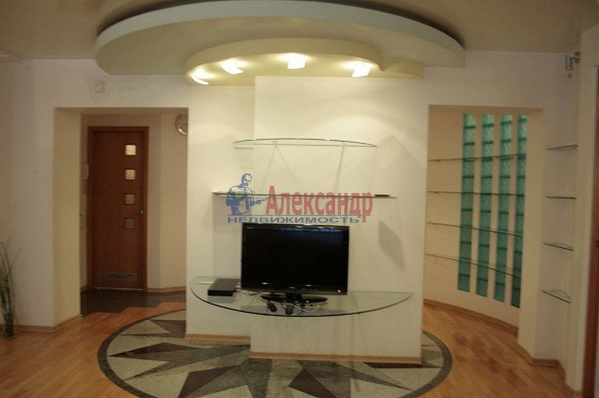 3-комнатная квартира (110м2) в аренду по адресу Невский пр., 117— фото 7 из 12