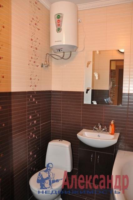 1-комнатная квартира (40м2) в аренду по адресу Есенина ул., 1— фото 3 из 3