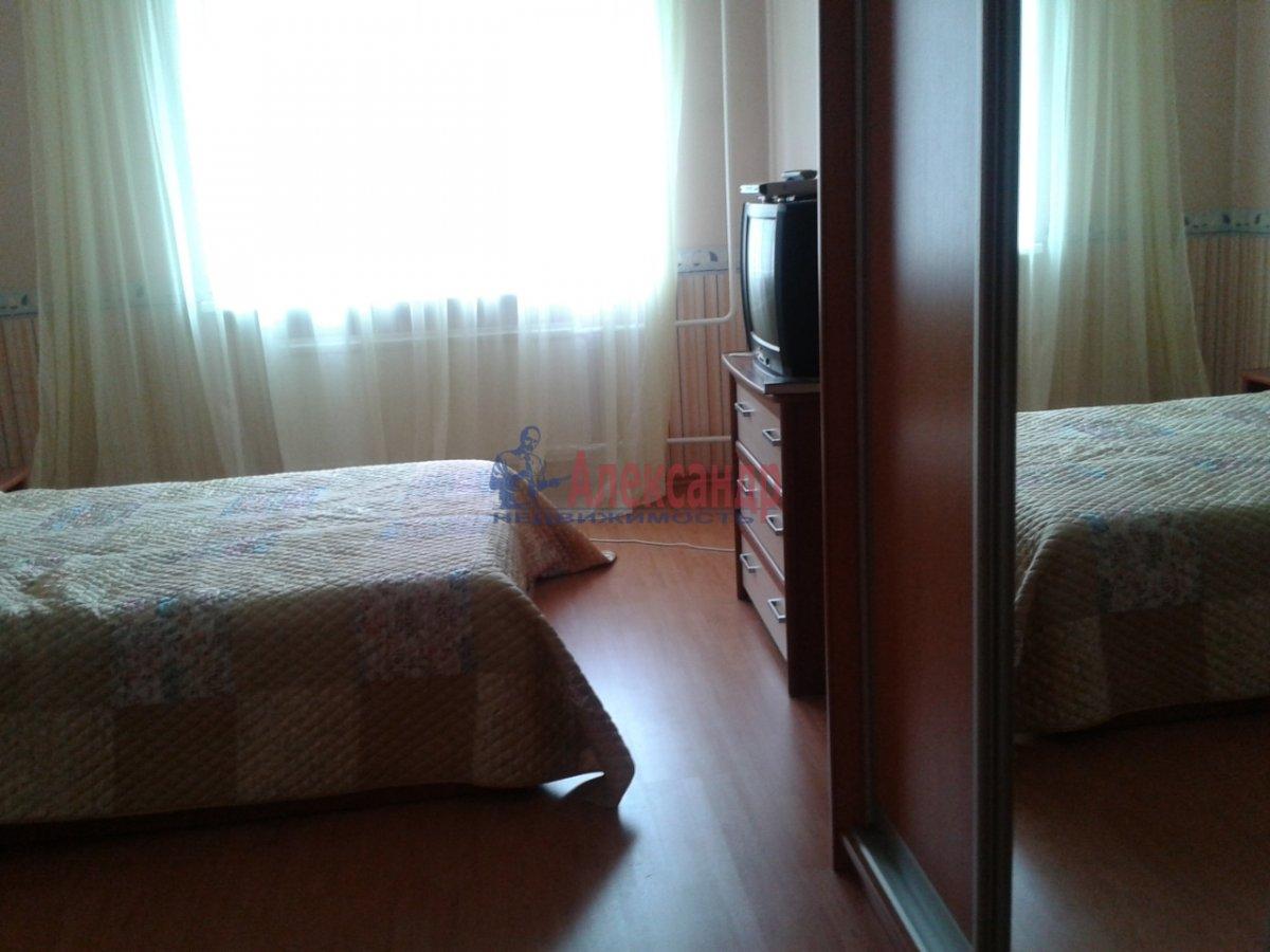 2-комнатная квартира (75м2) в аренду по адресу Туристская ул., 28— фото 3 из 6