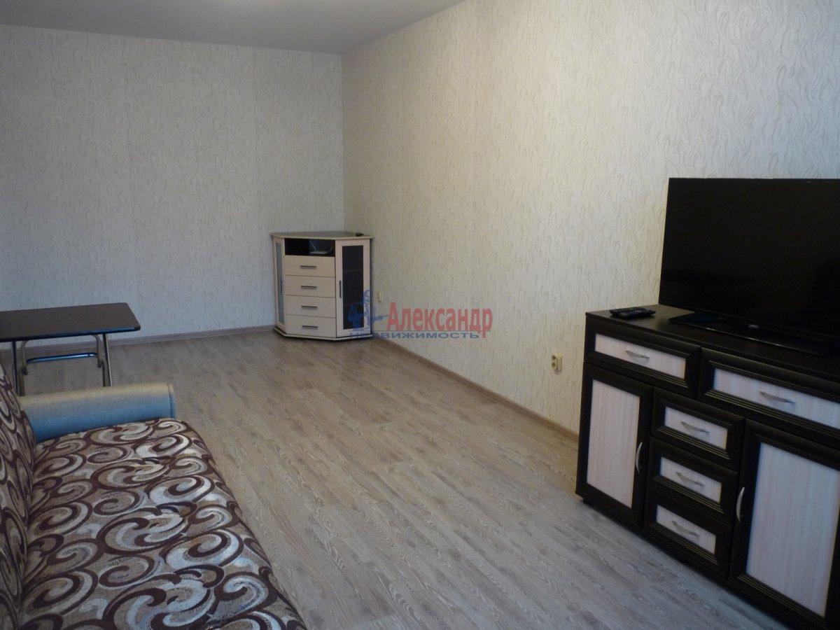 2-комнатная квартира (59м2) в аренду по адресу Обуховской Обороны пр., 138— фото 4 из 13