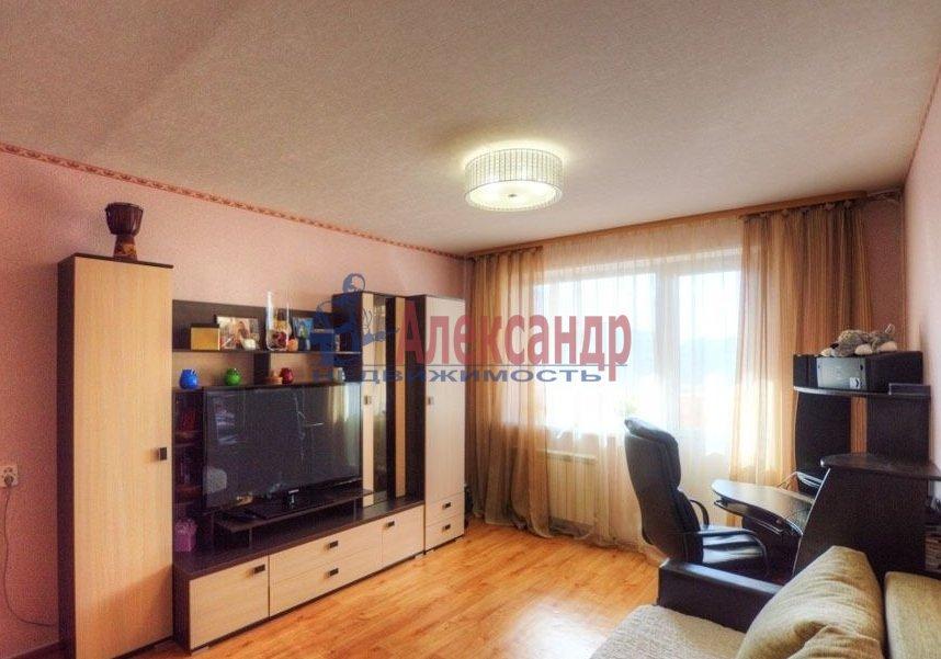 2-комнатная квартира (71м2) в аренду по адресу Звездная ул., 11— фото 1 из 6