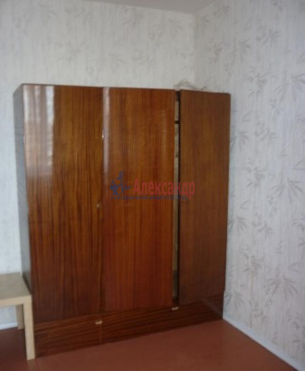 Комната в 2-комнатной квартире (60м2) в аренду по адресу Купчинская ул., 17— фото 2 из 4