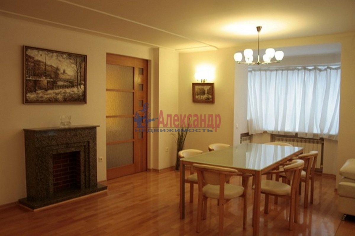 3-комнатная квартира (110м2) в аренду по адресу Невский пр., 117— фото 2 из 12