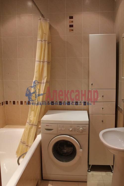 2-комнатная квартира (63м2) в аренду по адресу Науки пр., 17— фото 3 из 6