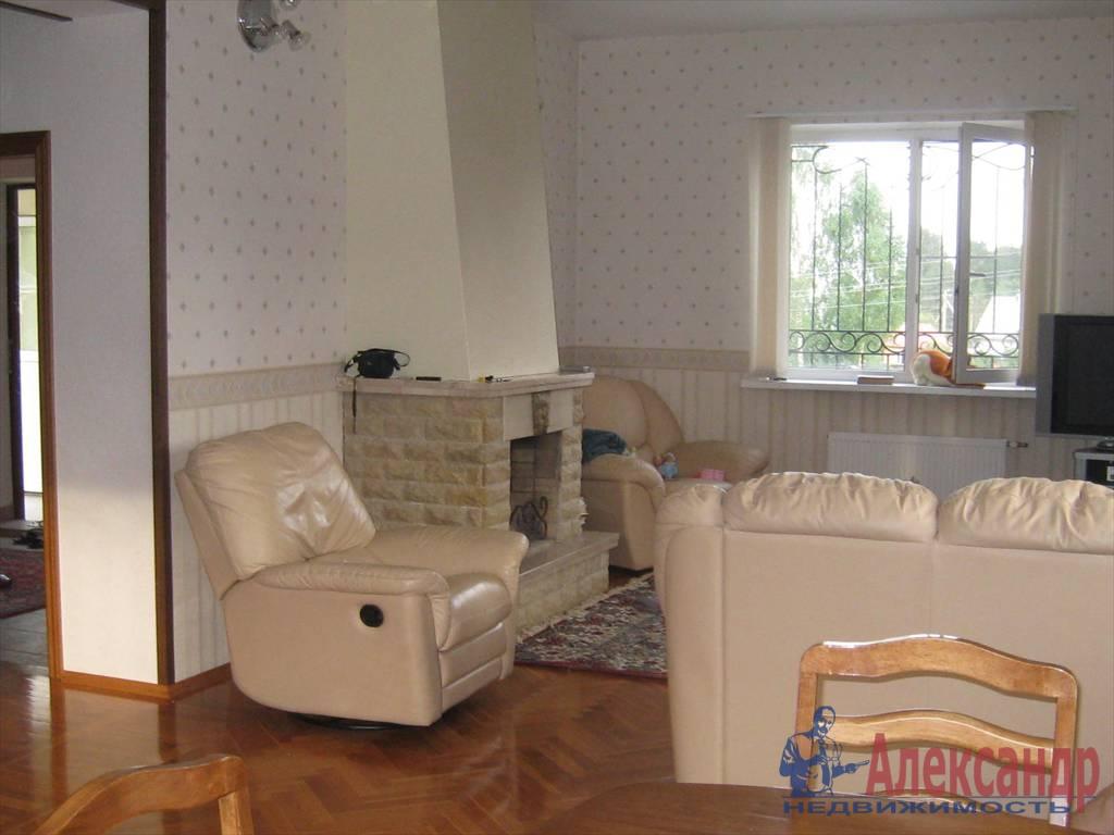 Дом (250м2) в аренду — фото 1 из 11