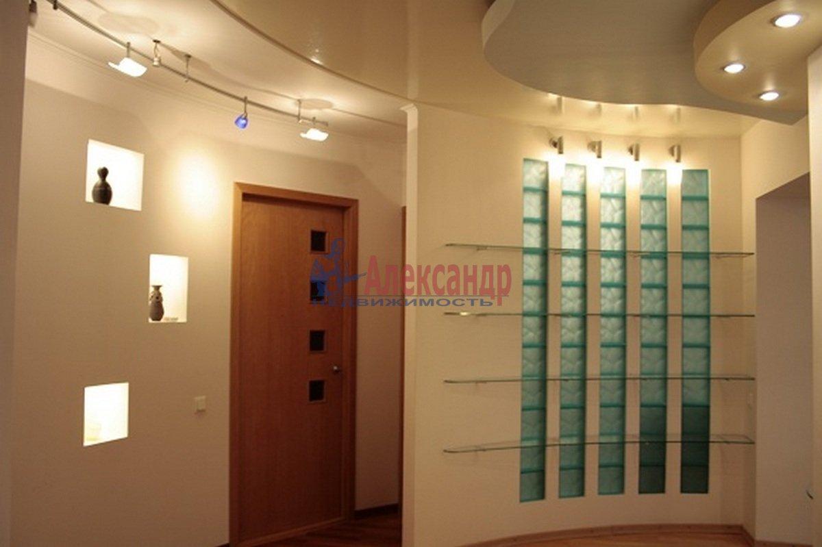 3-комнатная квартира (110м2) в аренду по адресу Невский пр., 117— фото 8 из 12