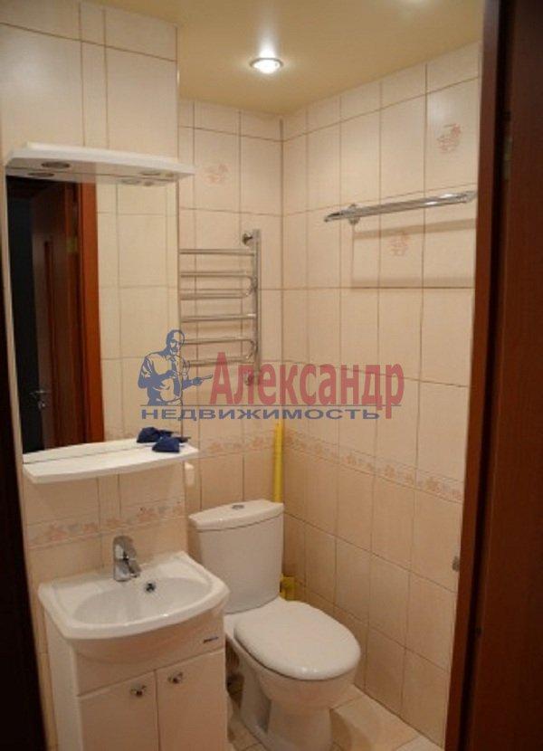 1-комнатная квартира (45м2) в аренду по адресу Светлановский просп., 99— фото 6 из 8