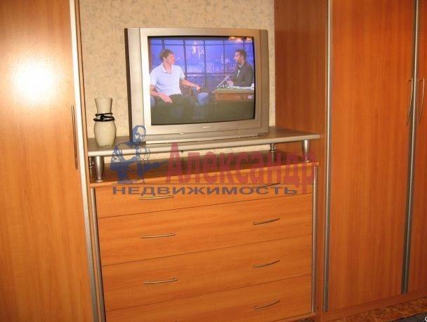 1-комнатная квартира (39м2) в аренду по адресу Богатырский пр., 24— фото 3 из 4