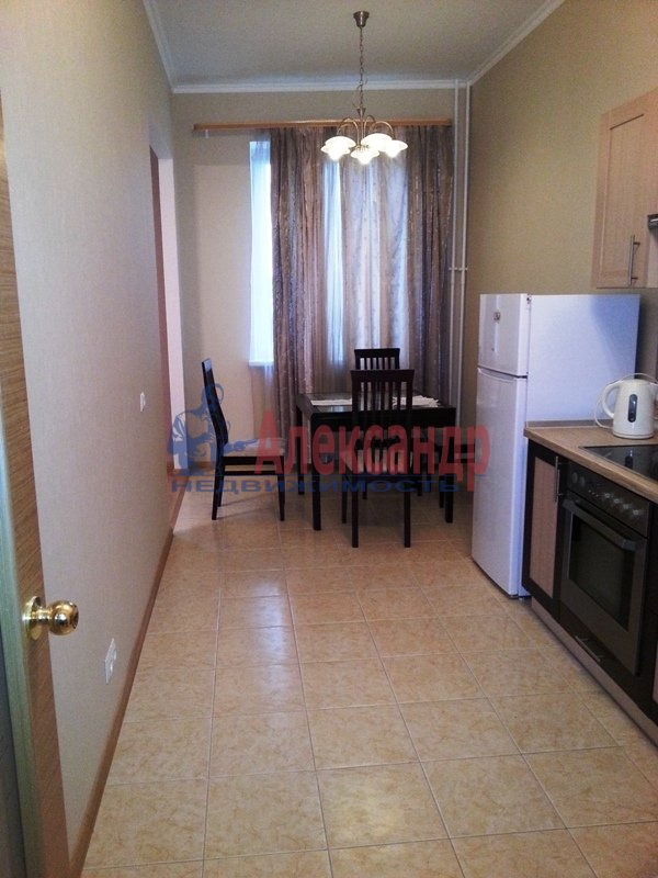 1-комнатная квартира (48м2) в аренду по адресу Киевская ул., 3— фото 5 из 11