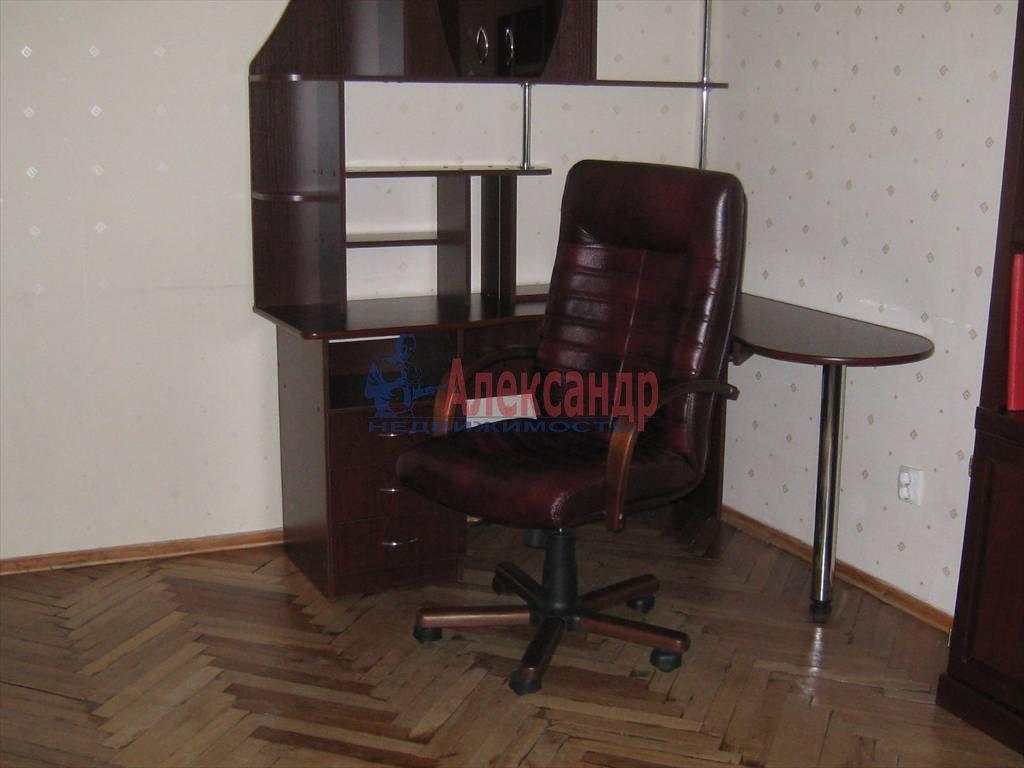 2-комнатная квартира (100м2) в аренду по адресу Невский пр., 158— фото 6 из 10