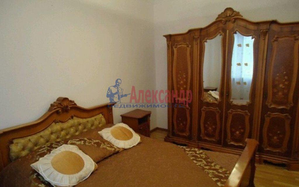 2-комнатная квартира (78м2) в аренду по адресу Конногвардейский бул., 13— фото 2 из 5