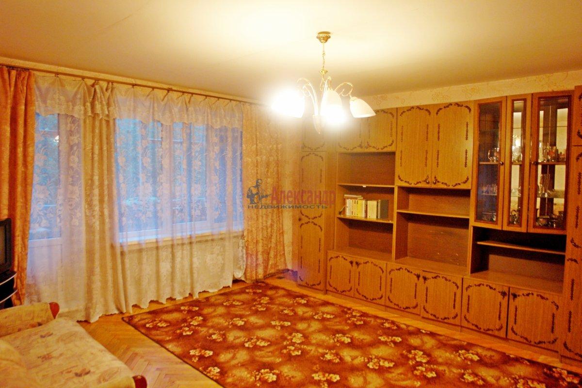 2-комнатная квартира (47м2) в аренду по адресу Бухарестская ул., 66— фото 2 из 6