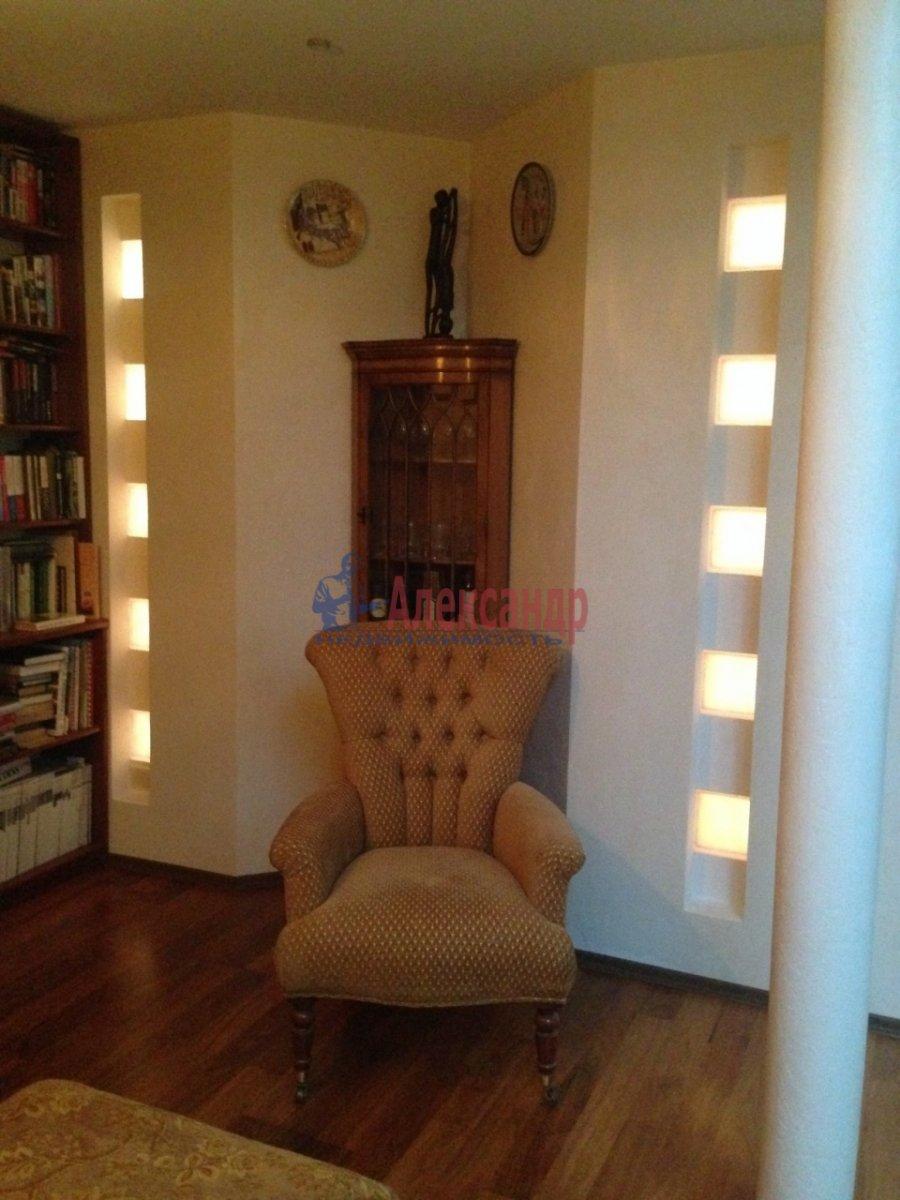 4-комнатная квартира (150м2) в аренду по адресу Парадная ул.— фото 3 из 4
