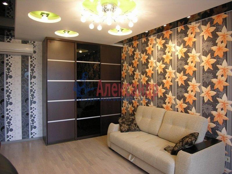 2-комнатная квартира (65м2) в аренду по адресу Асафьева ул., 5— фото 2 из 3