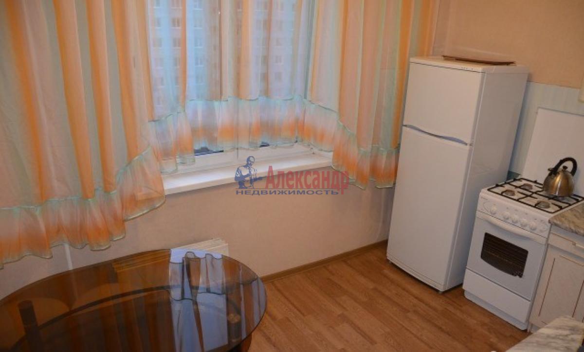 1-комнатная квартира (38м2) в аренду по адресу Трефолева ул., 26— фото 3 из 7