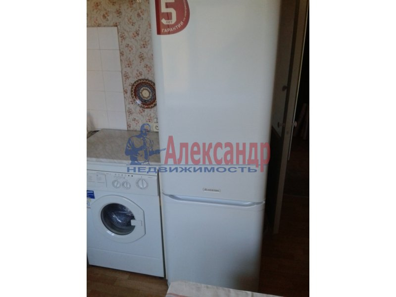 1-комнатная квартира (35м2) в аренду по адресу Бухарестская ул., 31— фото 2 из 6