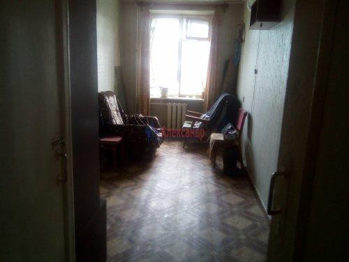 3-комнатная квартира (56м2) на продажу по адресу Волхов г., Юрия Гагарина ул., 2— фото 8 из 13
